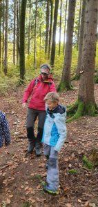 Familien Waldbaden mit Carola Bambas